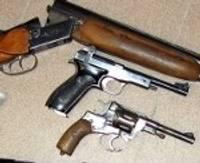 Pārkāpj ieroču aprites noteikumus