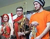 Nedēļas nogalē – Roberts Gobziņš, Resnie Putni, Oranžās brīvdienas un jauno grupu konkurss
