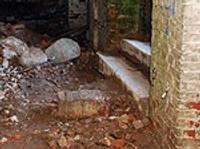 Bez arheologa pils pagrabus tīrīt nedrīkst