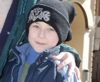 Mazais Samuels no invalīdu ratiņiem ir glābts