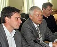 Diskutē par kredītpolitiku ar A/S SEB Bankas pārstāvjiem