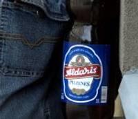 Ar saskābuša alus pudeli meklē taisnību