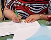 Paraksta līgumus par projektu īstenošanu