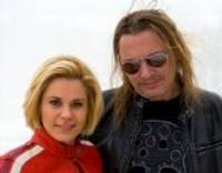 """Pabeigts Jenny May un Jāņa Groduma kopīgi iedziedātās dziesmas """"Nāk nakts"""" video"""