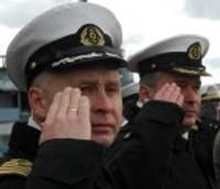 Svinīgi nomaina Jūras spēku komandieri