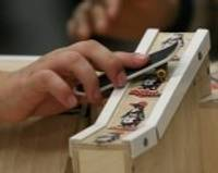 """Liepājas Olimpiskajā centrā turpinās """"Fingerboard"""" aktivitātes"""
