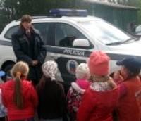Ar bērniem runā par drošību vasarā