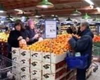 Veikalos valda iepirkšanās drudzis