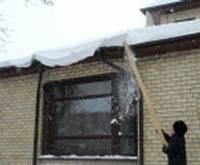 Cīņa ar balto arī uz jumtiem