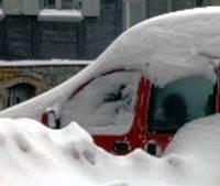 Ziemassvētki aizvadīti dramatiskā sniegputenī