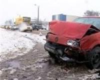 Sešas automašīnas cieš avārijā