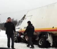 Šoferi cīnās ar sniega rekordu