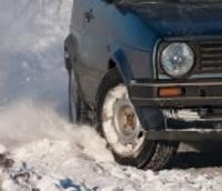 "Pa ledu ar auto ""raļļot"" nevar"
