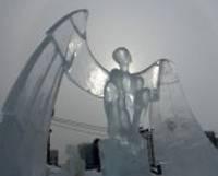 Tēlnieks Kārlis Īle plūc laurus Starptautiskā ledus skulptūru festivālā