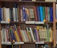 Vai skolai vajag dāvināt grāmatas?