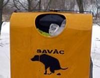 Urnas suņu ekskrementiem izmanto sadzīves atkritumiem