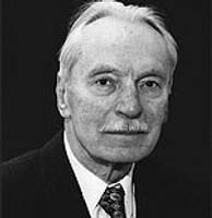 Papildināts – 97 gadu vecumā miris matemātikas profesors Jānis Mencis