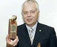 Domei pasniedz Latvijas Brīvo Arodbiedrību Savienības gada balvu