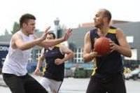Aizritējis biznesa centra turnīrs ielu basketbolā