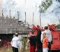 Šīfera sprādzieni vēsta par ugunsnelaimi