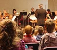 Simfoniskais orķestris ķeras klāt problēmai ar bērniem Latvijas koncertzālēs