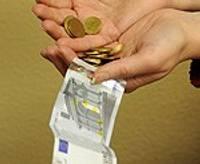 Aptauja: uzlabojas liepājnieku attieksme pret eiro ieviešanu