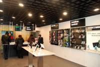 """Liepājā atvērts pirmais """"Tele2"""" jaunā koncepta klientu apkalpošanas centrs Kurzemē"""