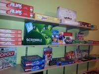 Ezerkrasta sākumskola atklāj galda spēļu bibliotēku