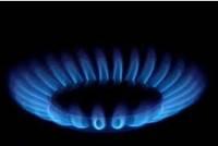 Daudzstāvu mājas dzīvoklī izplatās gāzes smaka