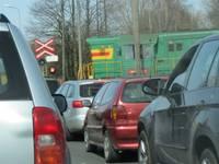 Raiņa ielas pārbrauktuve – ne tikai bremze, bet arī bieds auto
