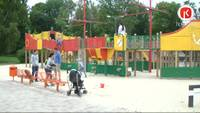 Tiek nomainīti Liepājas Jūrmalas parka bērnu laukuma elementi