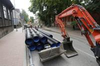 Apkašzemes komunikāciju izbūves dēļ slēgta satiksme Bāriņu ielas posmos