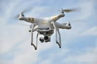 Darbus filmē ar dronu