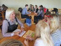 """Konkursā """"Profesiju kaleidoskops"""" skolēni iepazīstas ar 10 dažādu jomu profesionāļiem"""