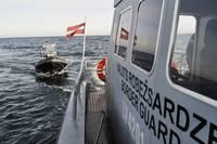 Jūrā pie Akmensraga notiek robežsargu mācības
