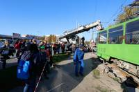 Papildināts – No sliedēm noskrien tramvajs, kustība atjaunota