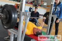 Komandas aicina tikties Grobiņā svaru stieņa spiešanas guļus sacensībās