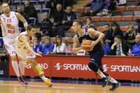 """""""Liepāja""""/""""Triobet"""" basketbolisti pēdējās sekundēs izrauj uzvaru pār """"Jelgavu"""" un pārņem LBL līderpozīciju"""