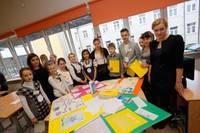 Bērnus un jauniešus iesaista enerģijas un dabas resursu saudzīgā izmantošanā
