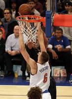 """Porziņģis ar 19 punktiem sekmē """"Knicks"""" komandas principālu uzvaru pār """"Nets"""""""