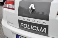 Lai slēptu braukšanu bez tiesībām un avāriju, vīrietis policijai melo par automašīnas zādzību