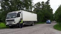 Četrās dienās pārbauda vairāk nekā 1200 transportlīdzekļu vadītāju; reibumā – seši