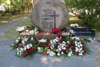 Godinās komunistiskā genocīda upuru piemiņu