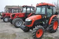 Liepājā deg auto, Gramzdas pagastā – traktori