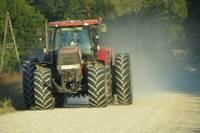 Pēc īpašnieces nāves piesavinās viņas traktoru