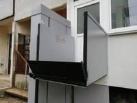 Daudzdzīvokļu māju pielāgo cilvēkam ratiņkrēslā