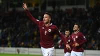 Uz Latvijas futbola izlasi izsaukti daudzi liepājnieki