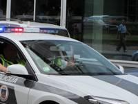 Strazdu ielā aiztur iespējamo zagli