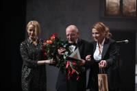 """""""Spēlmaņu naktī"""" triumfu piedzīvo režisors Elmārs Seņkovs un izrāde """"Pūt, vējiņi!""""; balvu par mūža ieguldījumu saņem Jānis Dreiblats"""