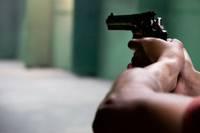 Vīrietim, kurš sašāva mikroautobusa vadītāju, bargo sodu nemaina